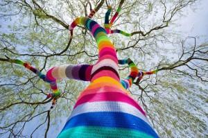 albero-arcobaleno-streetartutopia